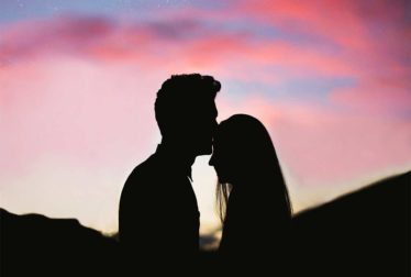 Beijo na testa